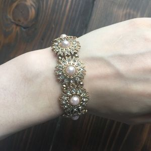 Icing Gold Bracelet with Pink Pearls